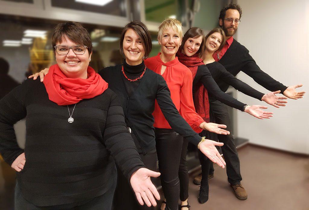 6 Sänger vom Thalia Chor Schweinfurt heißen neue Sänger willkommen