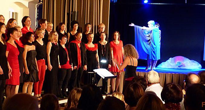 Konzert des Thalia Chor Schweinfurt im November 2018 in Schwebheim mit den Theaterkracken