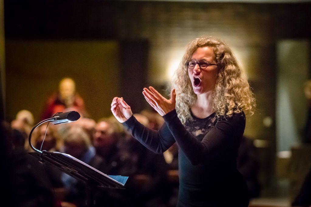 Chorleiterin des Thalia Chor Schweinfurt: Monika Oser